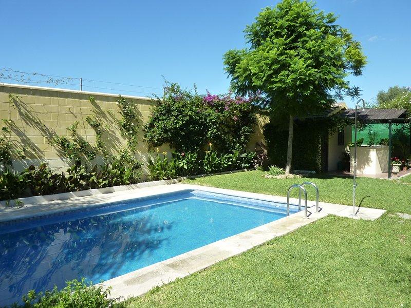 Villa à Séville. Maison confortable dans un quartier résidentiel très proche de Séville.
