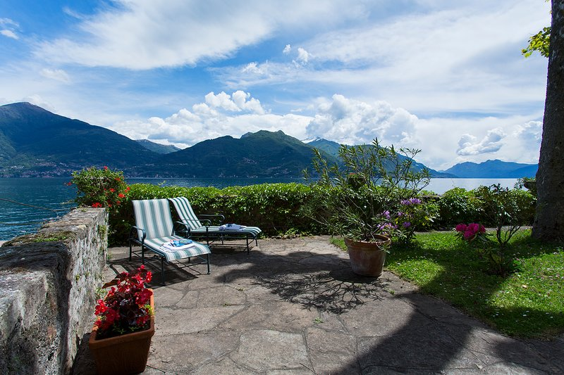 Well Maintained garden overlooking Lake Come
