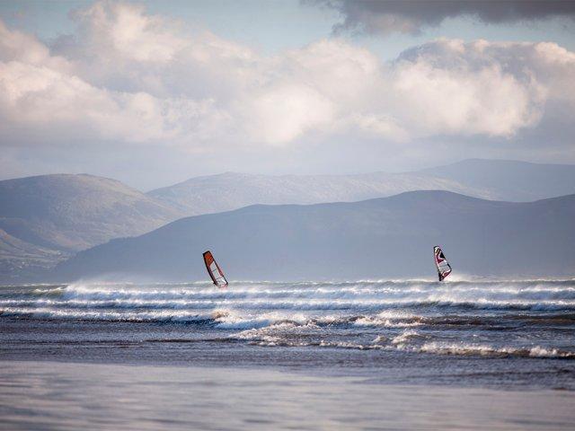 Wind Surfing, Inch beach