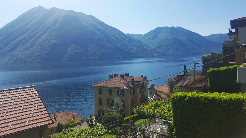 Villa Ada - casa indipendente, vista Lake of Como, vacation rental in Argegno