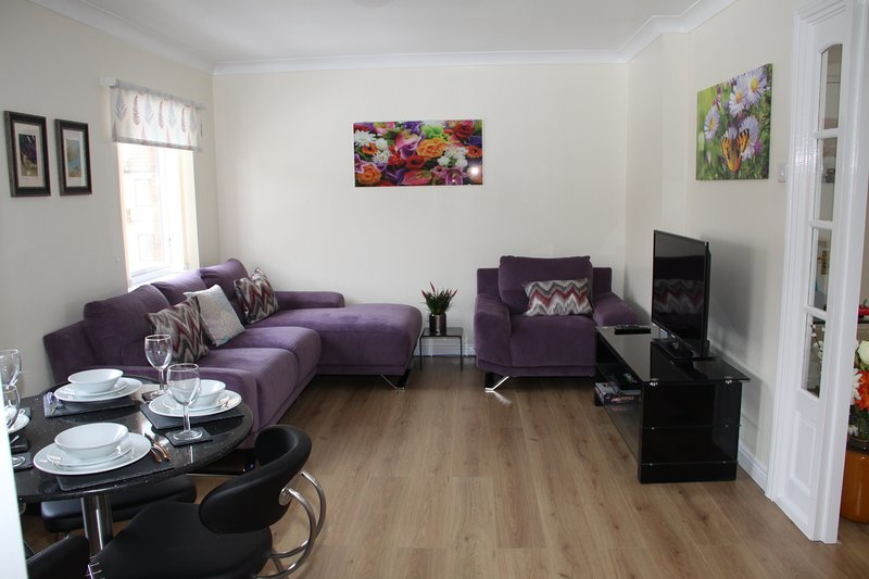 City Centre Apartment with Riverside Walks and Free Parking- No4P24, vacation rental in Fulford