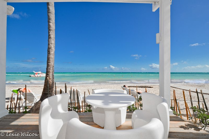 Playa Turquesa 1BR, 3BA Ocean view PH great breeze, vacation rental in Punta Cana