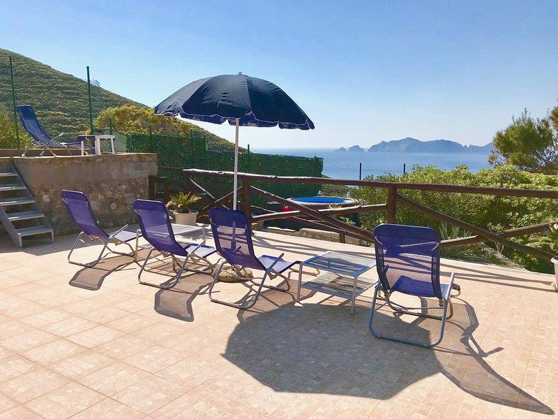 Villa indipendente vista mare 'Tre venti', aluguéis de temporada em Le Forna