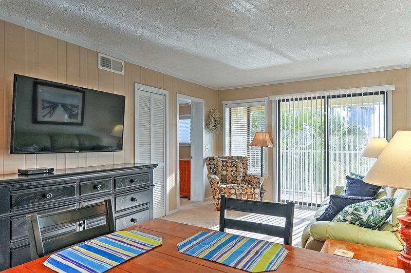 Resort Villa w/ Views & Pool Access: Walk to Beach, holiday rental in Bluffton