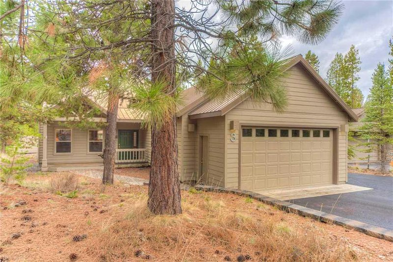 Sunriver-Vacation-Rental---3-Splitrock-Lane---Exterior-Front