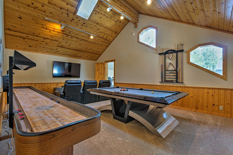 Let your next trip to Truckee begin at 'Viking Lodge' with a great game room!