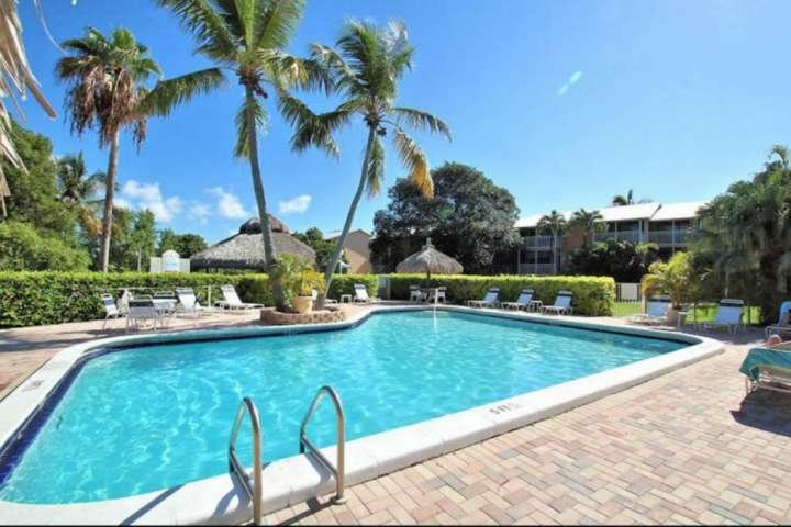 Work on your tan, take a dip in the pool and enjoy all that the Florida Keys has to offer.