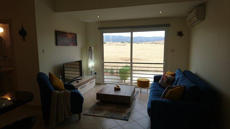 KANTARA MOUNTAIN  VIEW  1 BEDROOM  APARTMENT, alquiler vacacional en Davlos