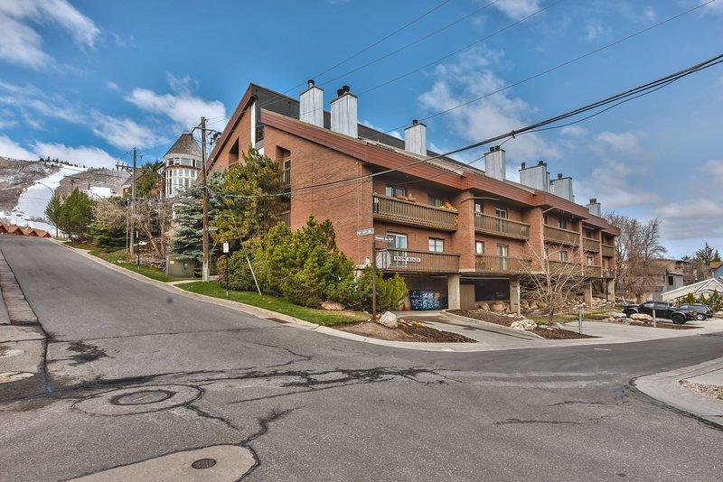 Snowblaze Condominiums - Across the Street from Park City Mountain Resort