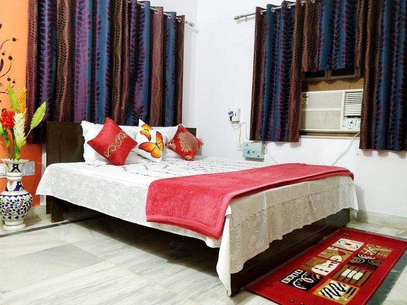 Willkommen in unserem luxuriösen 3 BR Hause, wo Komfort und Gastfreundschaft mit indischen Traditionen vereint