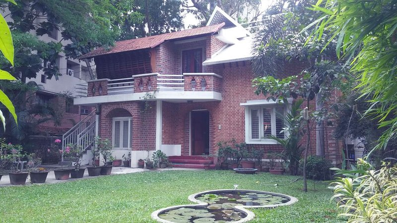 Tagore Homestay Villa - 1st Floor (3-Bedrooms Living Room & Kitchen), vacation rental in Kazhakkoottam