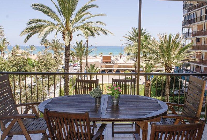 Piso reformado en primera linea de mar, vacation rental in Sant Joan d'Alacant