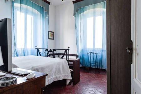 Camera doppia a Villa Eugenia (azzurra), vacation rental in Castellaccio