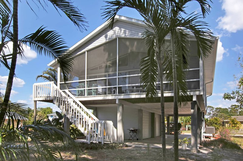 Pias Paradise 1 Mile to beach: 3B/2BA with hotel service UPDATED