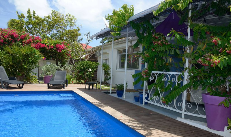 Villa Frégates, marina et plage à 100 mètres, tout à pied – semesterbostad i Saint Francois