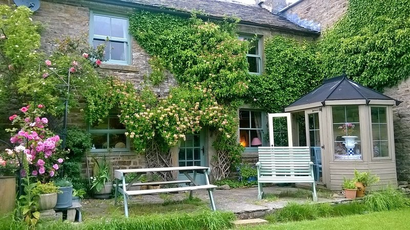 Intake Cottage , Low Row, Swaledale, Yorkshire Dales , National Park, hol home, holiday rental in Arkengarthdale
