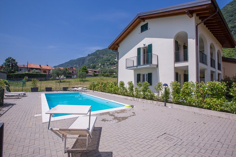 Residence La Mimosa apt. Due, holiday rental in Lenno