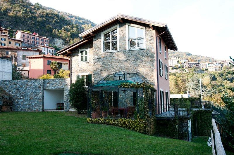 Private villa with a spacious garden