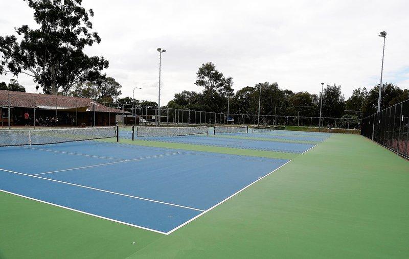 Bull Creek Tennis Club 450m away. Open to public