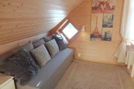 Canapé-lit dans la chambre n ° 2