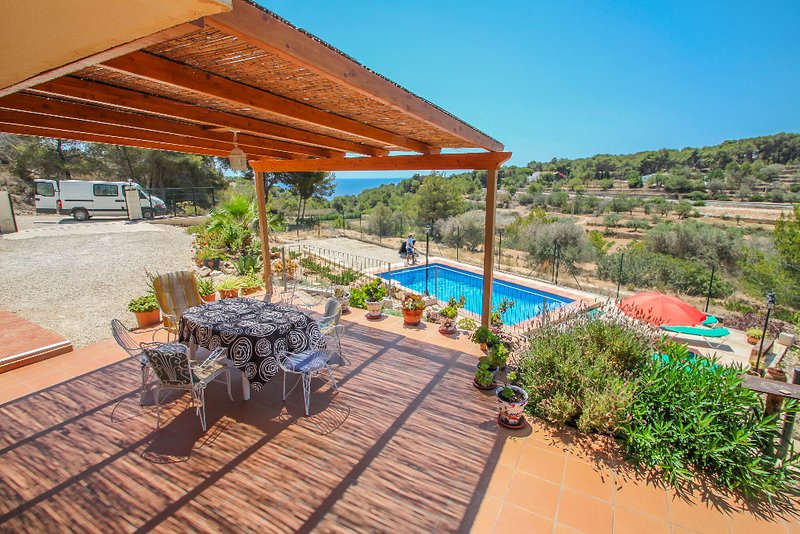 Dos Soles 6 - sea view holiday home with private pool in Costa Blanca, vacation rental in La Llobella