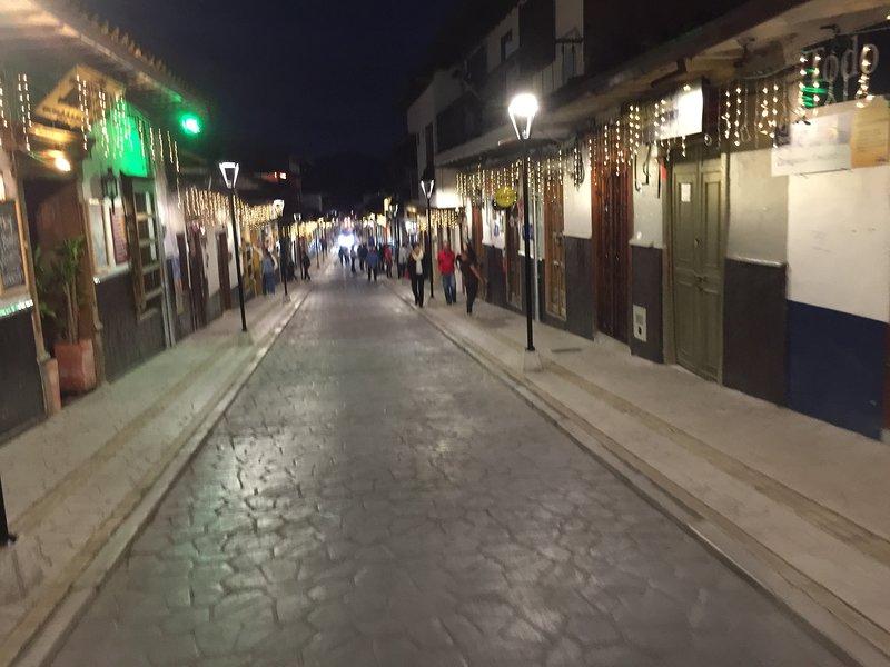 Pedestrian Street, entrada da Plaza