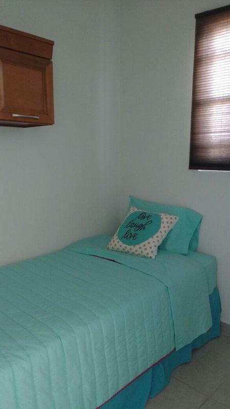 La habitación pequeña, cama doble