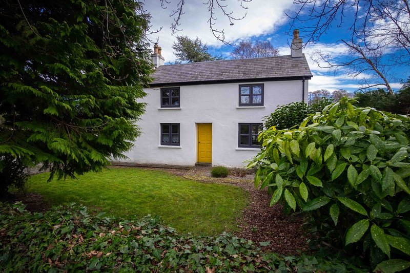 The Grove Cottage 1mile from Killarney town centre., holiday rental in Kilcummin