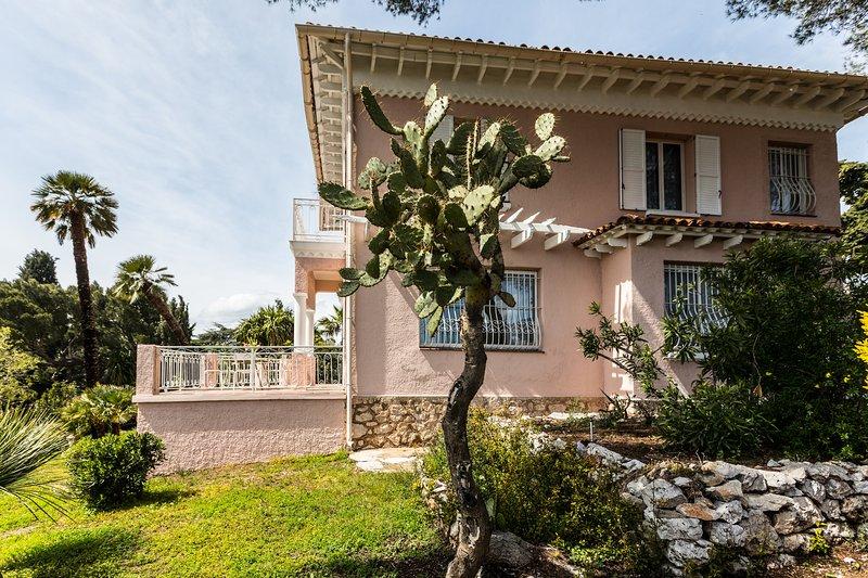 Beautiful Belle Epoque Villa with Panoramic view, location de vacances à Villefranche-sur-Mer