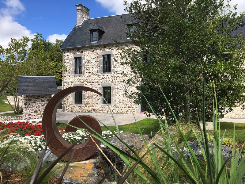 Clos L'Abbé***** Piscine & Spa | Demeure de Prestige 5* | Plages & Mt St Michel, holiday rental in Manche