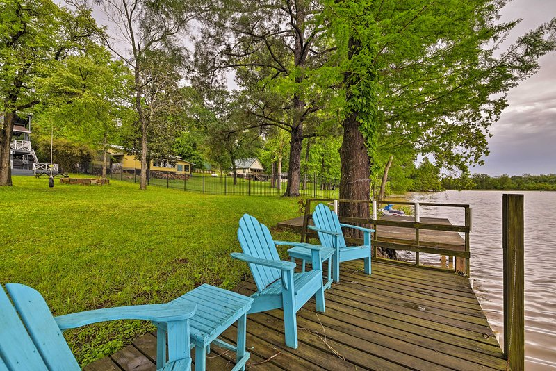 Goodrich Private Lake House w/ Dock & Firepit – semesterbostad i Livingston