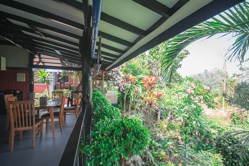 Surrounded by lush tropical plants Seaview Cabin Club 1 is an ideal location for any holiday