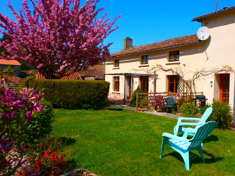 Eeyores Corner family holiday's, holiday rental in Saint-Aubin-le-Cloud