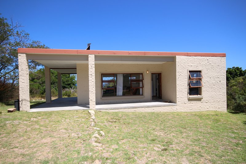 Poppehuis is a self-catering, holiday home that is situated in Jocks Bay, location de vacances à Betty's Bay