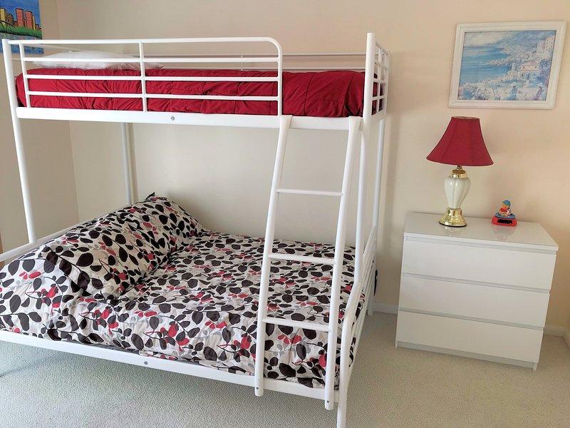 Bedroom 3 (Pyramid Bunk)