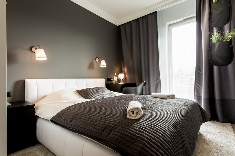 Apartment LUKSUS, vacation rental in Warsaw