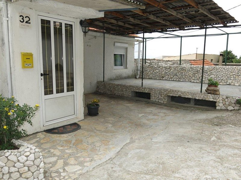 Three bedroom apartment Brist, Makarska (A-11039-b), vakantiewoning in Brist