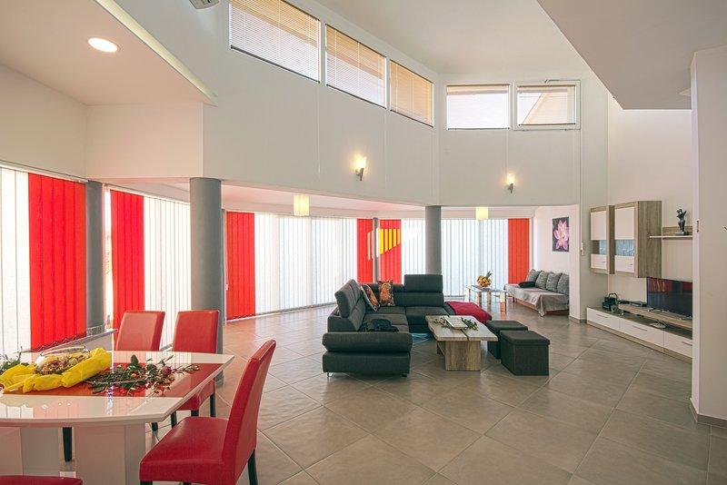 Ferienhaus BRCINA (Rechte Seite), vacation rental in Valtura
