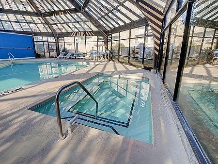 Fechado Pool & Hot Tub