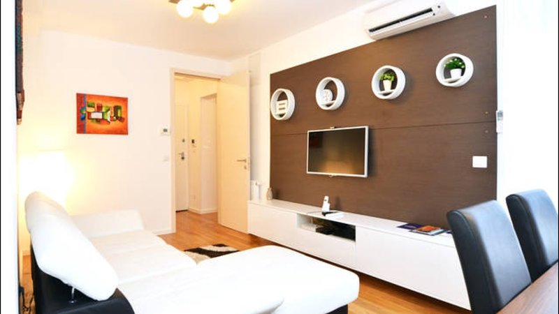LUXURY 2 BDR APP  near main Railway station, vacation rental in Zagreb