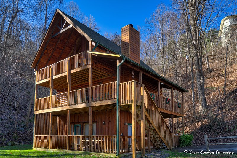 3 Master Suites - Excellent Location and Privacy, vacation rental in Gatlinburg