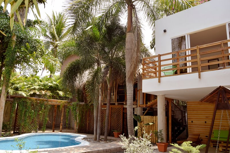 Casa Bonita - El Tunco: Private Beach Villa, holiday rental in Santa Tecla