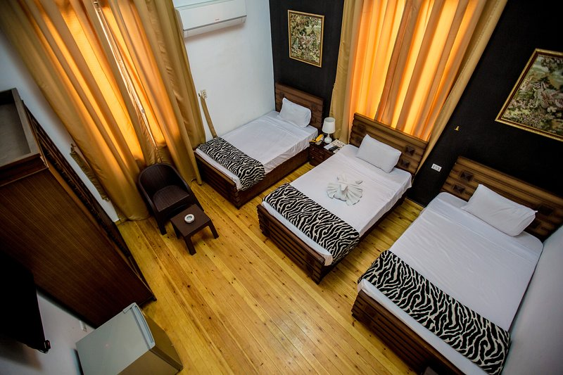 Valencia Hotel Double, holiday rental in Shubra Al Khaymah