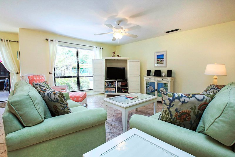 Beautiful beachy condo on quiet end of Sanibel Island, Florida, holiday rental in Sanibel Island