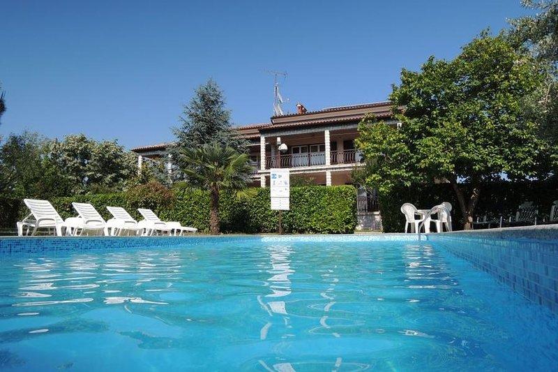 Ferienwohnung 4400-9 für 4+2 Pers. in Porec, location de vacances à Varvari