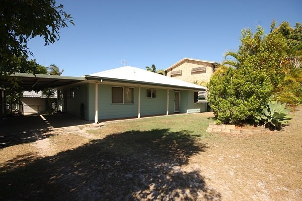 7 Tingira Close - Lowset home on quiet street, walking distance to shopping cent, casa vacanza a Tin Can Bay