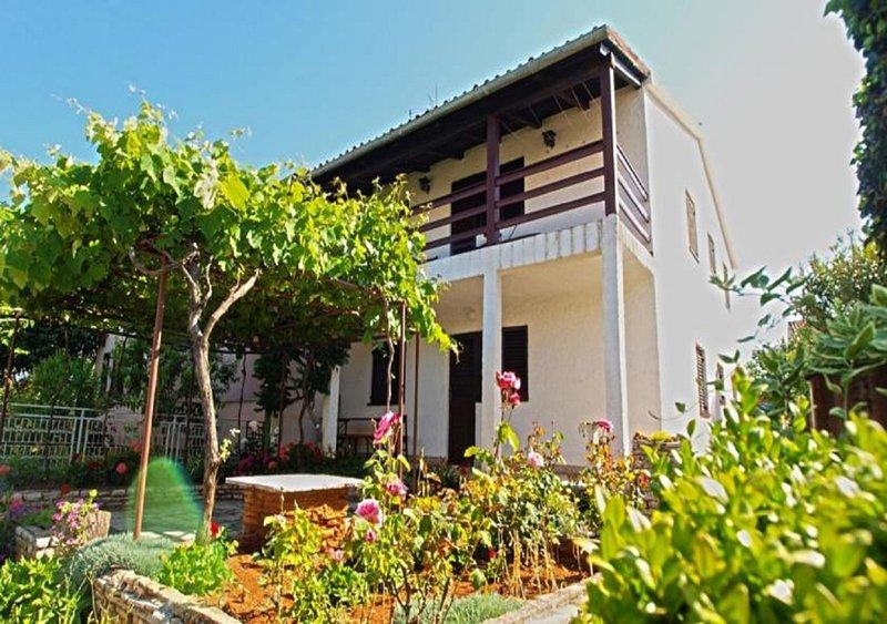Ferienwohnung 4348-1 für 4 Pers. in Fažana, holiday rental in Fazana