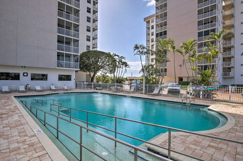 This condo sleeps 4 and is a part of The Beach & Tennis Club in Bonita Springs.