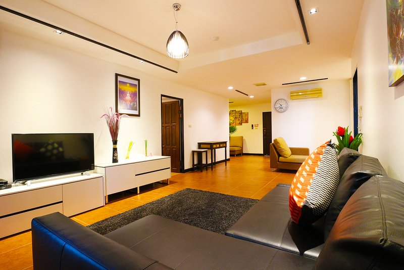 2 Bedroom, BTS skytrain only 5 min, Spacious, Family & Group Ideal 140 Sqm., alquiler de vacaciones en Bangkok