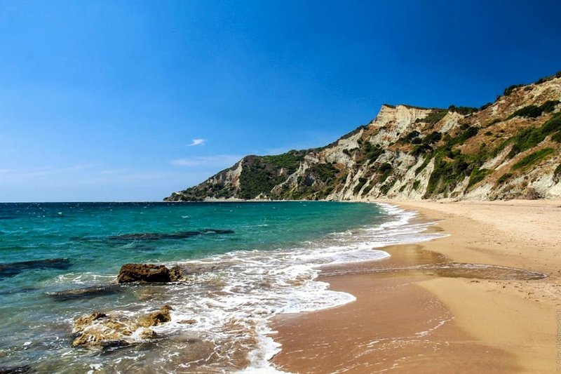 Arkoudilas beach 10 mis drive